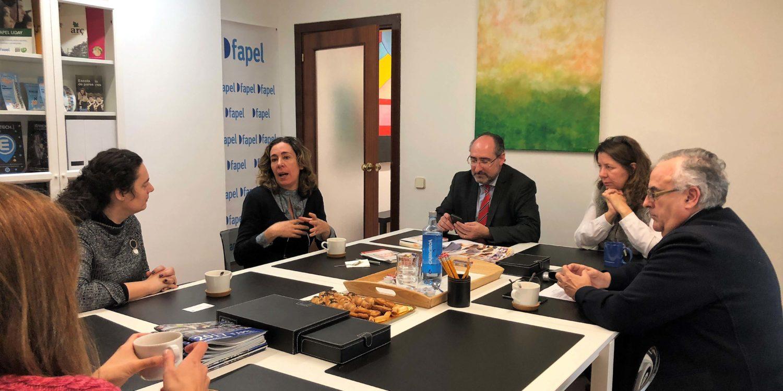 """Eva Millet presenta el seu nou llibre """"Hiperniños"""" a Fapel"""